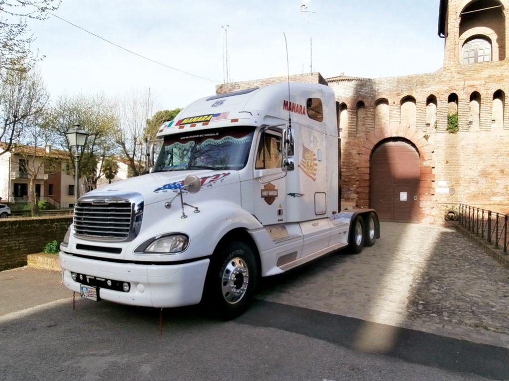 truck americano per eventi noleggio - manara camion ravenna